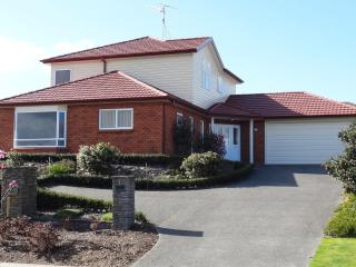 Dianne's B & B op Grace Hospital Tauranga - Bay of Plenty vacation rentals