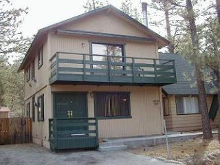 Bear Pad,3BR,Slps 10,Sunken Jacuzzi, Level Parking - Big Bear Lake vacation rentals
