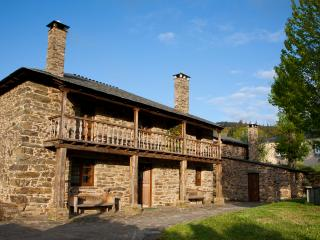 Casa Bouza, Turismo Rural - Becerrea vacation rentals