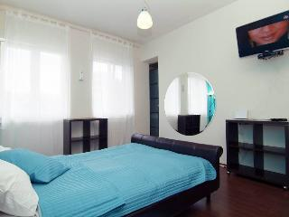 Double Turquoise Studio in Downtown Bucharest - Bucharest vacation rentals