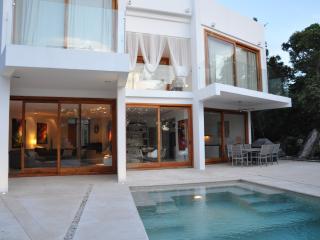 VILLA KATXE,  OVERLOOKING CHAMPIONSHIP GOLF COURSE - Tulum vacation rentals