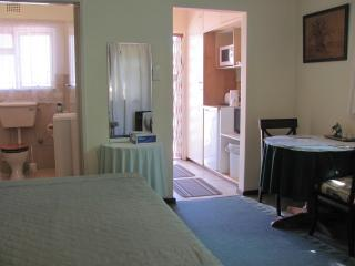 SOMERSET WEST (Cape Town East) SELF CATERING OR B & B COTTAGES and STUDIO FLATS - Somerset West vacation rentals