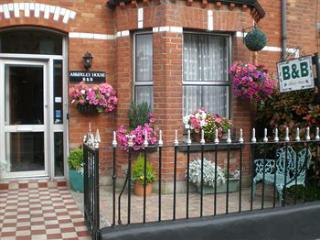 double room ensuite to rent - Dundrum vacation rentals