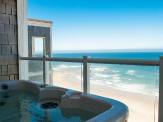 Top Floor Oceanfront Condo-Hot Tub-Pool-WiFi-HDTV - Neskowin vacation rentals