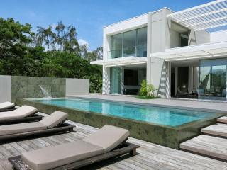 EXCEPTIONAL LUXURY VILLA with access to a pontoon - Martinique vacation rentals