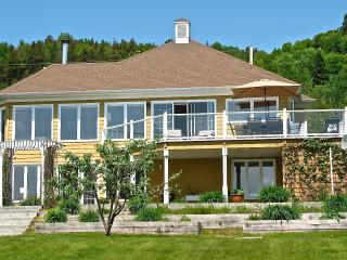 Océane / Ocean Breeze-Between Mountain & Sea - La Malbaie vacation rentals