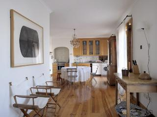 Elegant and spacious home with superb view - Lisbon vacation rentals