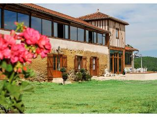 chambres d'hôtes - La Mirandelle - Sud ouest Gers - Chelle Debat vacation rentals