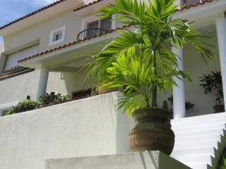 Spacious home, perfectly located in Huatulco - Huatulco vacation rentals