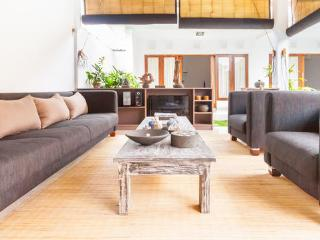Large comfy Villa for 6 pax - Bali vacation rentals