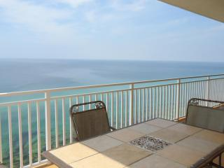 2 King beds with HUGE wrap around balcony! 1707W - Panama City Beach vacation rentals