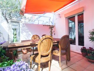 Apartment Atico de dos Olivos Barcelona - Barcelona vacation rentals