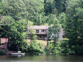Comfortable lakefront home  near Tunkhannock , Pa. - Northeastern Pennsylvania vacation rentals