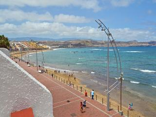 Lucia´s Canteras beachfront Studio - Grand Canary vacation rentals