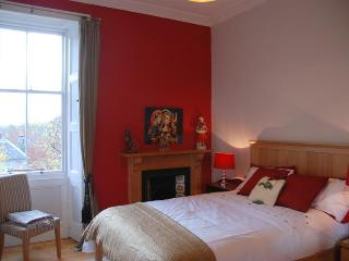 Edinburgh Villas City Central Victorian Apartment - Edinburgh vacation rentals