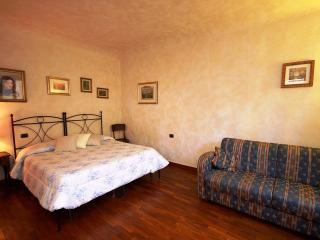De Castellani Apartment Rental in Florence - Florence vacation rentals