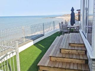 TREASURE COTTAGE, detached, woodburner, off road parking, direct access to beach, in Penrhyn Bay, near Llandudno, Ref 18992 - Whitford vacation rentals