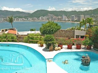ACA - COL05 Amazing bay views in a casual, Tropical setting.  Great for families or friends! - Acapulco vacation rentals