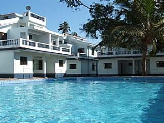 04) Spacious A/C Villa, Arpora Sleeps 4 & Wi-Fi - Candolim vacation rentals