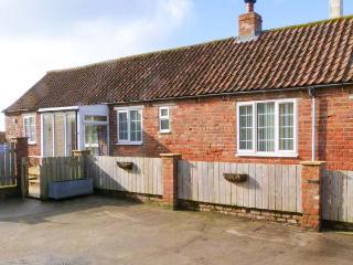 LITTLE ARGHAM COTTAGE pet-friendly, woodburning stove in Burton Fleming, Ref 23937 - Skipsea vacation rentals