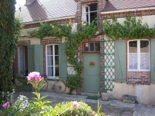 Gite Chez Kristina - Gurcy-le-Chatel vacation rentals