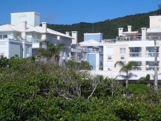 Florianópolis - Apartamento na Praia dos Ingleses - Bombinhas vacation rentals