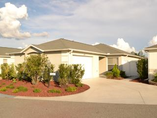 The Villages Florida 2/2 Courtyard Villa FURNISHED - Yalaha vacation rentals