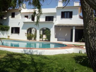 Day and Night Albufeira Villa - Albufeira vacation rentals