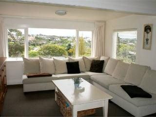 Luxury Boutique Corporate 4brm Cottage - Free WIFI - Auckland vacation rentals