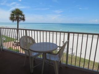 Longboat Key Gulf-front 2 BR/2 BA, amazing views - West Bay vacation rentals