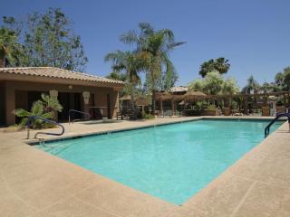 Scottsdale Kierland contemporary condo w/Wifi - Scottsdale vacation rentals