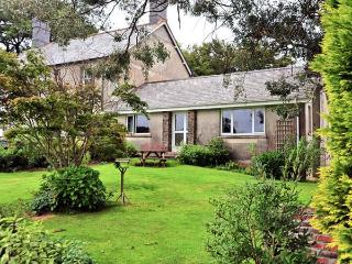 ORCHARD END, attached to owner's farmhouse, fishing nearby, woodburner, in Launceston, Ref 28449 - Launceston vacation rentals