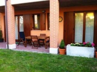 Nice apartment with private garden - Sirmione vacation rentals