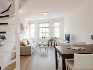 City centre apartment De Admiraal 2 (wifi) - Oost-knollendam vacation rentals