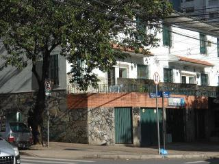 TOWN HOUSE BH  -  In the heart of the  Sto.Agostinho  charming neighborhood - Belo Horizonte vacation rentals