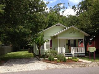 Josephine's House A Cajun Cottage Rental - Breaux Bridge vacation rentals
