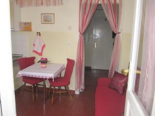 Appartment next to beach and 10 min from centre - Split vacation rentals