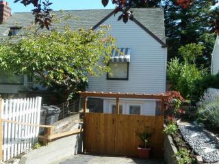 Fun Apartment in Ballard neighborhood Seattle - Seattle vacation rentals