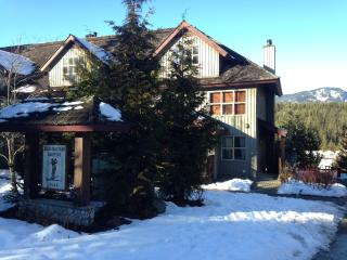 3 Bed Beautiful Home Mountain & Golf Course Views - Whistler vacation rentals