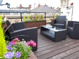 Boutique top floor apartment with terrace - London vacation rentals