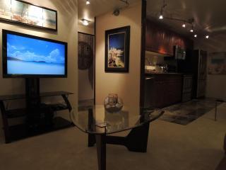 Luxury High-Floor Corner Unit in Waikiki - Honolulu vacation rentals