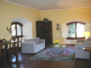 Apartment Florence Florence Apartment near Piazzale MichelAngelo and Ponte Vecchio - Florence vacation rentals