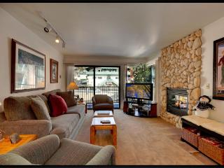 St Anton Condos 100 yards from lifts and lodge - Mammoth Lakes vacation rentals
