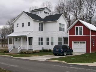 Indiana Lakehouse between state parks - Waveland vacation rentals