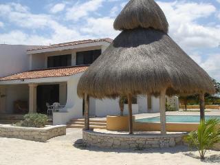 Uaymitun Beachfront Vacation W/ Pool - Chicxulub vacation rentals