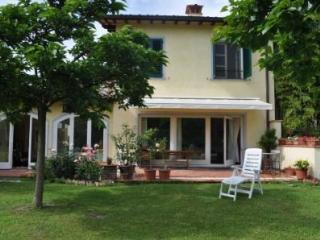 Magnificent Vacation Rental at Casa Del Pittore in Lucca - Santa Maria del Giudice vacation rentals
