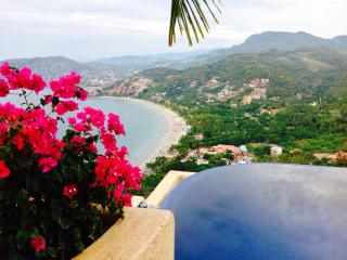 This is your luxury vacation rental!!! - Zihuatanejo vacation rentals