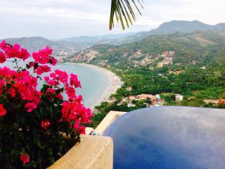 Luxury describes Casa Encantadora!! - Barra de Potosi vacation rentals