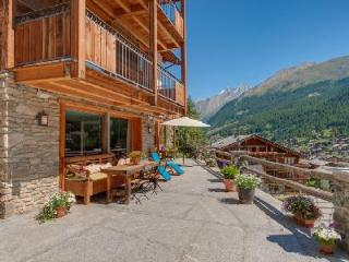 Unique hillside Chalet Ibron boasts spectacular views and 200m from the Matterhorn Express - Saas-Fee vacation rentals
