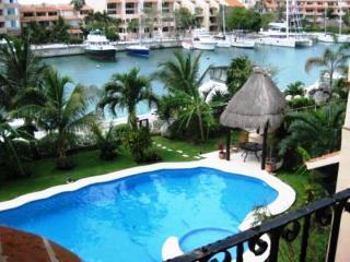 MAYA - TAMA2 -Waterfron condo with views to the caribbean Sea. - Puerto Aventuras vacation rentals